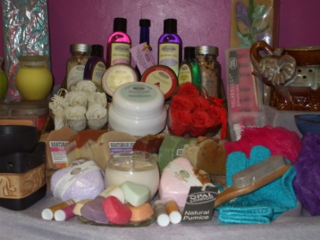 Natural Beauty Products and Soy Wax Candles